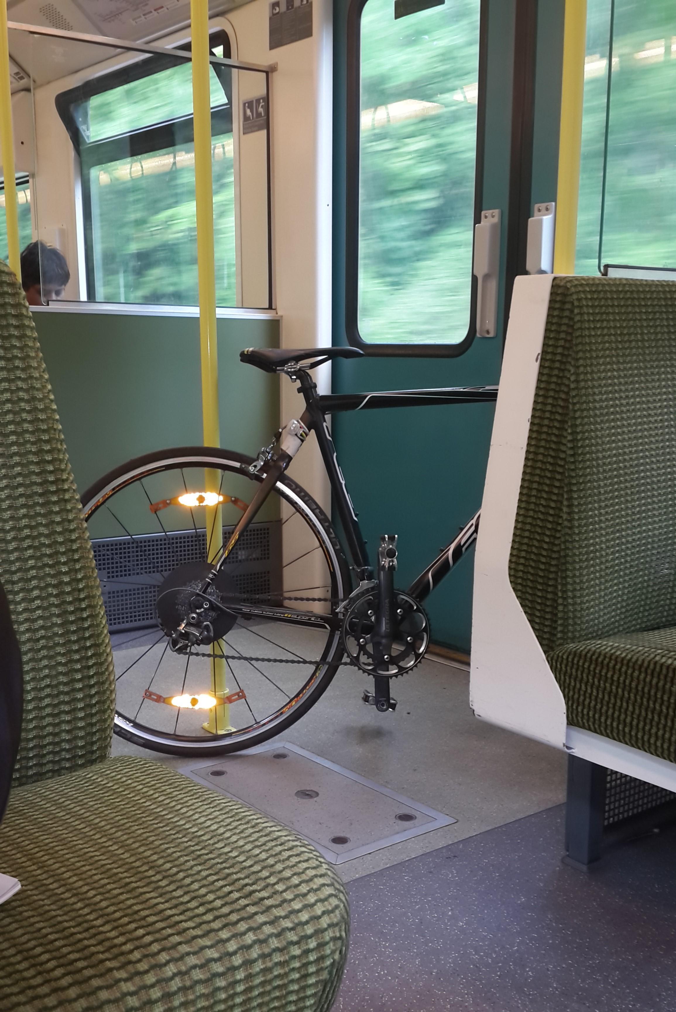 dublin a capital das bicicletas um amor e duas mochilas. Black Bedroom Furniture Sets. Home Design Ideas